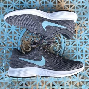 Nike Revolution 4 Women's Size 6.5 Gunsmoke Ocean